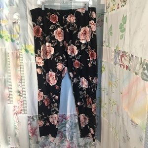 Ashley Blue - Rose Print Leggings